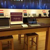 Photo taken at Microsoft Store by Vic M. on 1/4/2013