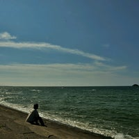 Photo taken at 砂丘海水浴場 by tos™ on 8/18/2016