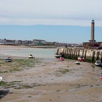 Photo taken at Margate Main Sands by Kenneth C. on 6/7/2014