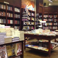 Photo taken at Diwan Bookstore by Duna دُنى on 1/20/2013