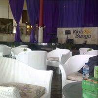 Photo taken at Klub Bunga Butik & Resort by RizunaSwon on 1/26/2013