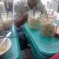 Photo taken at Menyenk Cafe by luluk R. on 12/19/2012