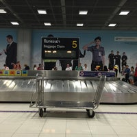 Photo taken at Baggage Claim 5 by Dolnapha P. on 5/5/2016