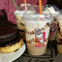 Photo taken at Dunkin' Donuts by Herliana K. on 11/22/2014