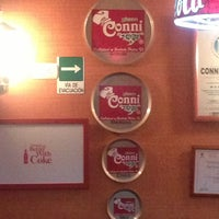 Photo taken at Conni Pizzas by Jesus F. on 1/26/2013