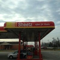 Photo taken at SHEETZ by Trucker D. on 2/13/2013