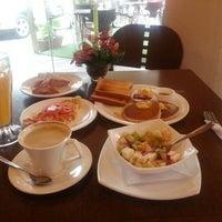 Photo taken at Havanna Café by Mauricio M. on 1/19/2013