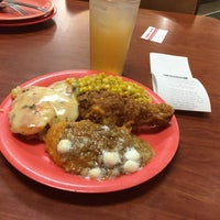 Photo taken at Golden Corral by C. Oliver P. on 10/5/2016