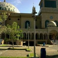Photo taken at Masjid Islamic Centre by Abdillah Jose's S. on 3/22/2013