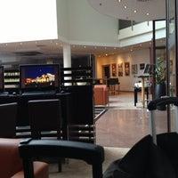 Das Foto wurde bei Sheraton Munich Airport Hotel von Cecilia A. am 4/11/2013 aufgenommen