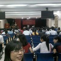 Photo taken at Đại Học Thuỷ Lợi by Tu N. on 10/8/2013