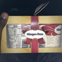 Photo taken at Haagen-Dazs by Kevon B. on 12/25/2012