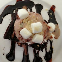 Photo taken at Dessert Factory by Tatu T. on 3/4/2013