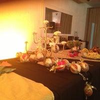 Photo taken at Bouganville Buffet by Izakeline R. on 12/11/2012