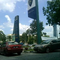 Photo taken at Proton Glenmarie Service Centre by Ahmad Zakirin T. on 3/6/2013