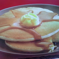Photo taken at McDonald's & McCafé by Eilla E. on 11/3/2012