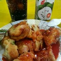 Photo taken at Rasa Rasa Muslim Thai Seafood Restaurant by KýlęAārön🌹 ك. on 11/22/2016