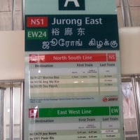 Photo taken at Jurong East MRT Interchange (NS1/EW24) by KýlęAārön🌹 ك. on 8/16/2013