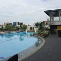 Photo taken at Swimming Pool by Romeo L. on 1/13/2013