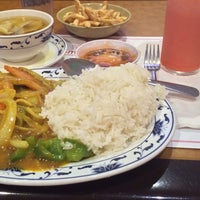 Photo taken at Lee's Restaurant by Quin on 8/9/2014