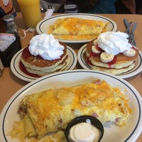 Photo taken at IHOP by Mariya S. on 9/25/2014
