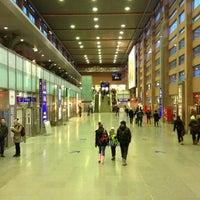 Das Foto wurde bei Innsbruck Hauptbahnhof von Stacie C. am 1/24/2013 aufgenommen