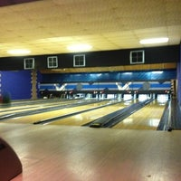 Photo taken at Moe's Bar-B-Que & Bowl by Donny C. on 2/7/2013