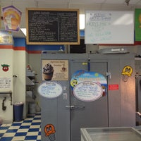Photo taken at Ralph's Famous Italian Ices by Earl J. on 4/12/2013