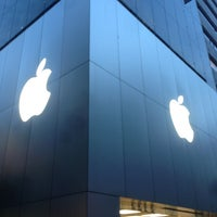 Photo taken at Apple Store by Nozooooomu on 6/7/2013