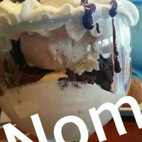 Photo taken at Ruby Tuesday by Benjamin B. on 7/19/2015