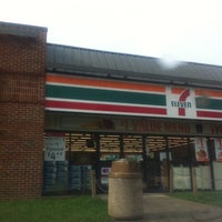 Photo taken at 7-Eleven by MsDanie L. on 9/8/2011