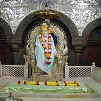 Photo taken at Shirdi Sai Baba Temple (Samadhi Mandir) by Raju S. on 2/2/2013