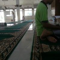 Photo taken at Masjid Tanjung Kapor by Mohd N. on 1/27/2013