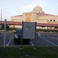 Photo taken at Kediaman Pengarah Kolej Matrikulasi Selangor by Govindasamy A. on 6/2/2013