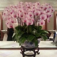 Photo taken at Four Seasons Hotel Singapore by Belinda C. on 4/16/2013