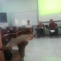 Photo taken at B3-319 Los Angeles Class English Department UNNES by Renaldi A. on 4/16/2013