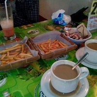 Photo taken at Big Burger B'karan by Rima Nur'aining T. on 1/22/2013