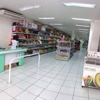 Foto tirada no(a) Mercearia Jinlong por Victor A. em 2/18/2014
