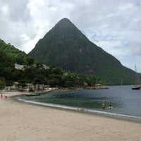 Photo taken at Sugar Beach, A Viceroy Resort by Eric Z. on 5/26/2013