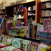 Photo taken at Librería Contrapunto by Gonzalo C. on 5/15/2016