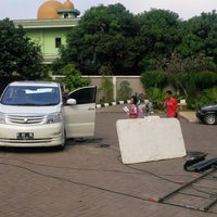 Photo taken at Strada Nawar School by Hendrik W. on 7/28/2013