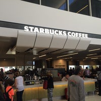 Photo taken at Starbucks by TSFTPC on 7/22/2016