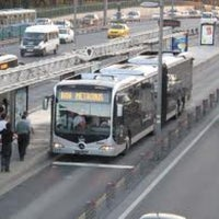 Photo taken at Uzunçayır Metrobüs Durağı by Kıvanç Ozan A. on 1/31/2013