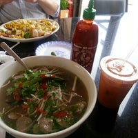 Photo taken at Pho Thanh by Angel J. on 9/20/2013