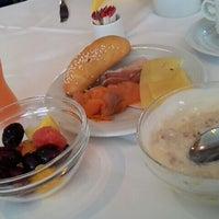Das Foto wurde bei Hotel Donauzentrum von Татьяна Ю. am 6/20/2013 aufgenommen