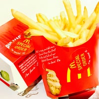 Photo taken at McDonald's / McCafé by Christian on 10/31/2016