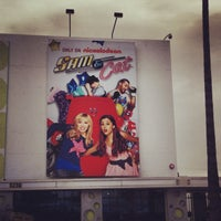 Photo taken at Nickelodeon Studios by Glitterati Tours on 1/27/2014