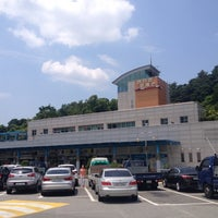 Photo taken at Seomjingang Service Area - Suncheon-bound by kevin Sangpyo H. on 6/18/2014