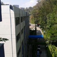 Photo taken at Universidad Galileo by Henry F. on 3/23/2013