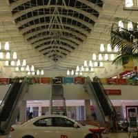 Photo taken at Capim Dourado Shopping by Yuri R. on 9/17/2013
